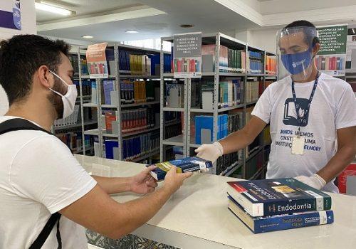 Alunos da Faculdade Florence contam com acervo de mais de 28 mil títulos na Biblioteca