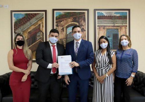 Convênio entre Florence e OAB-MA beneficia recém-formados do curso de Direito