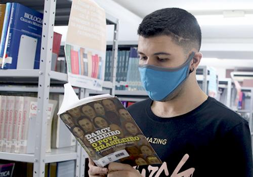 Dia do Leitor: confira seis indicações de livros indispensáveis para universitários